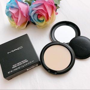 BNIB MAC Cosmetic select sheer face powder NC25